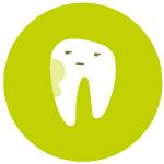 muela con una mancha limpieza dental